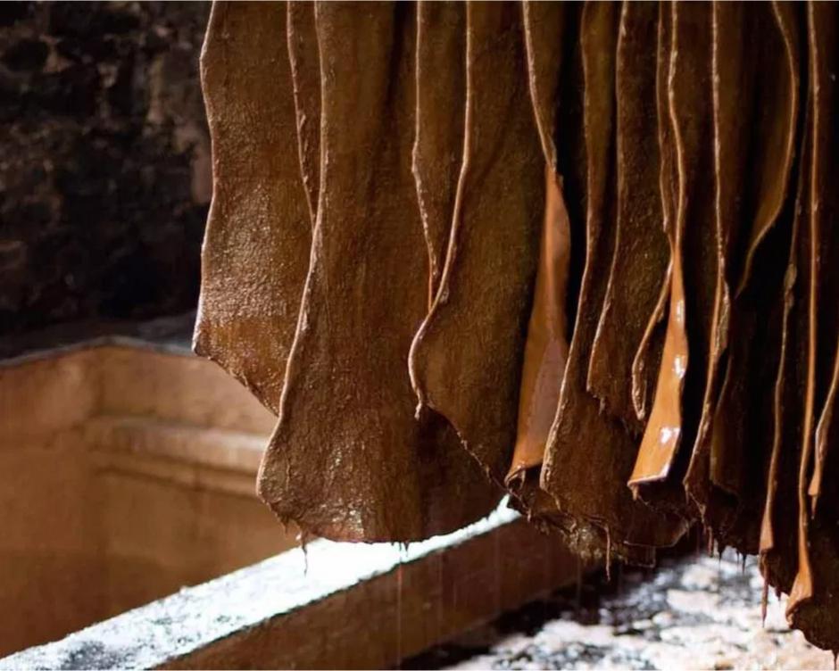 Entretenir des semelles en cuir
