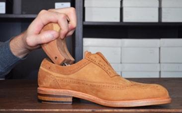 Embauchoir chaussures nubuck